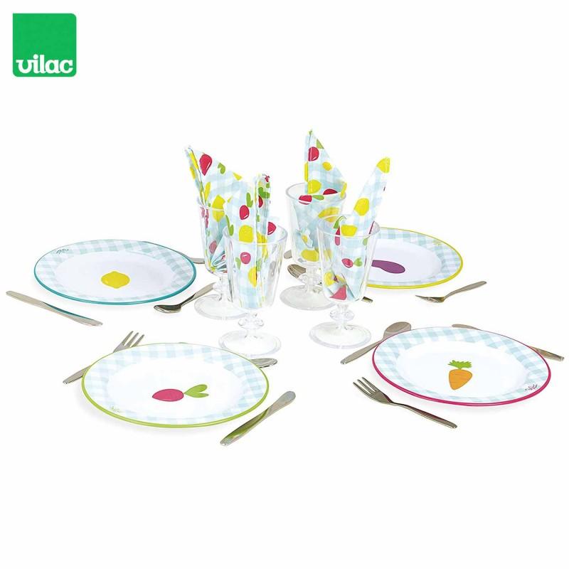 Une dinette complète, colorée et mixte pour les enfants.