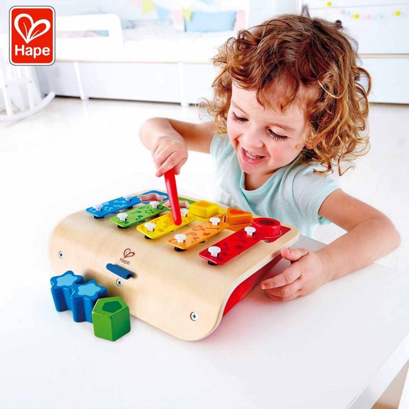 Ce jouet en bois évolutif contribuera à l'éveil des enfants sur le principe de Montessori.