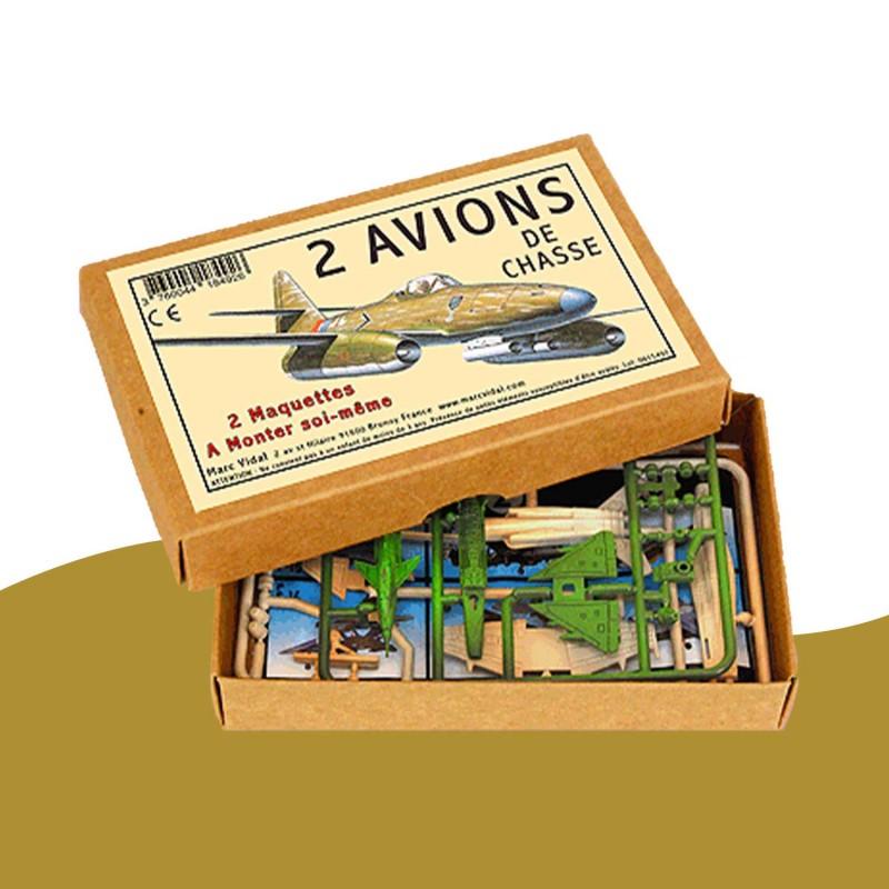"""2 maquettes """"avion de chasse"""" pour les enfants"""