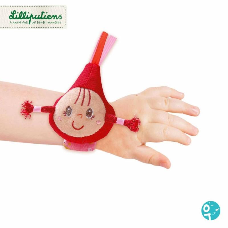 Chaperon rouge s'attache au poignet de bébé