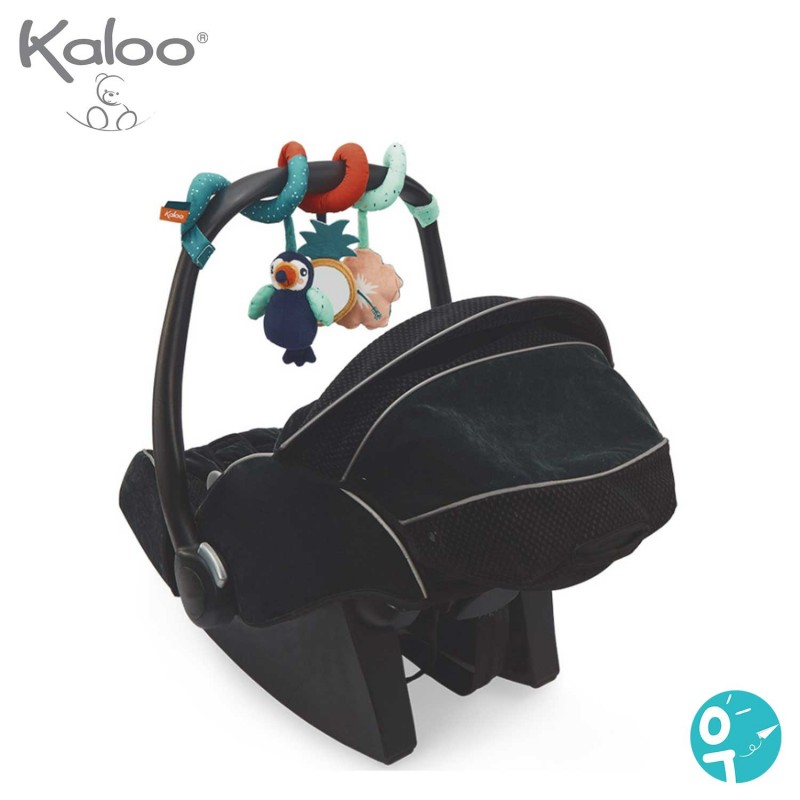 Un jouet stimuler bébé dans son lit et sa poussette