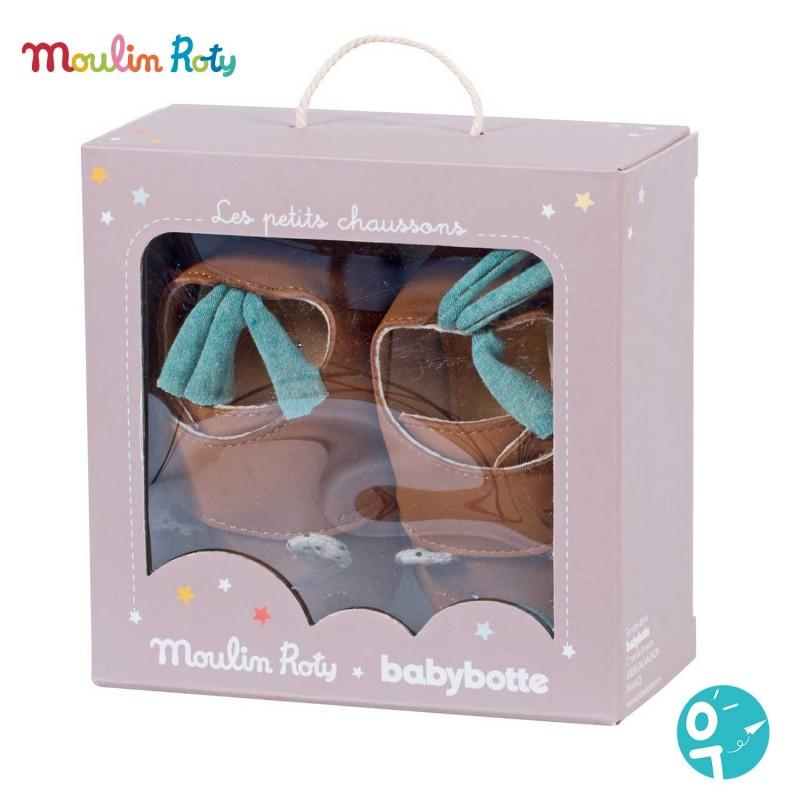 Boite des petits chaussons bébé Moulin Roty x Babybotte