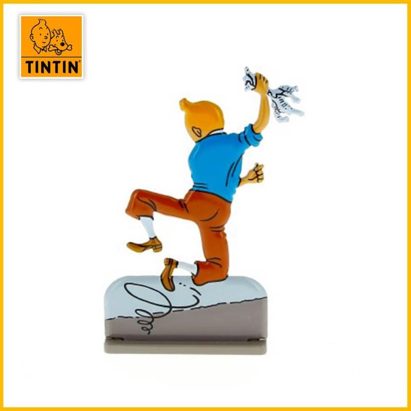 Verso de la figurine en relief de Tintin qui vient d'échapper à une exécution Incas.