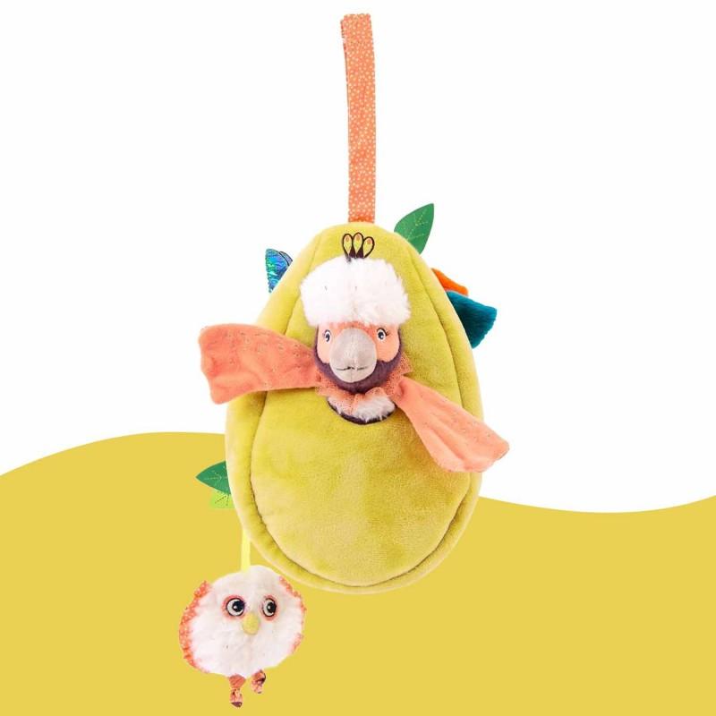 Un doudou d'activités à suspendre pour amuser bébé