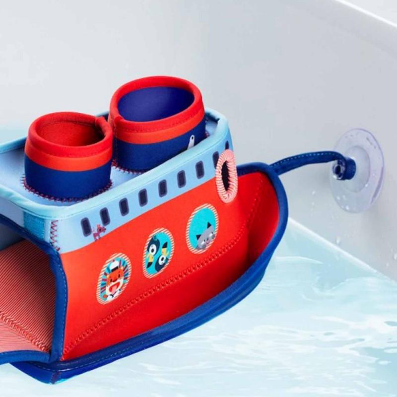 Navire qui flotte rouge et bleu