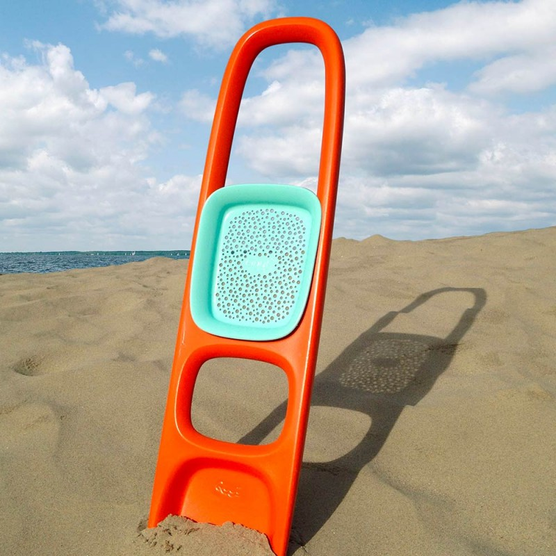 Pelle plage orange pour les enfants de la marque Quut