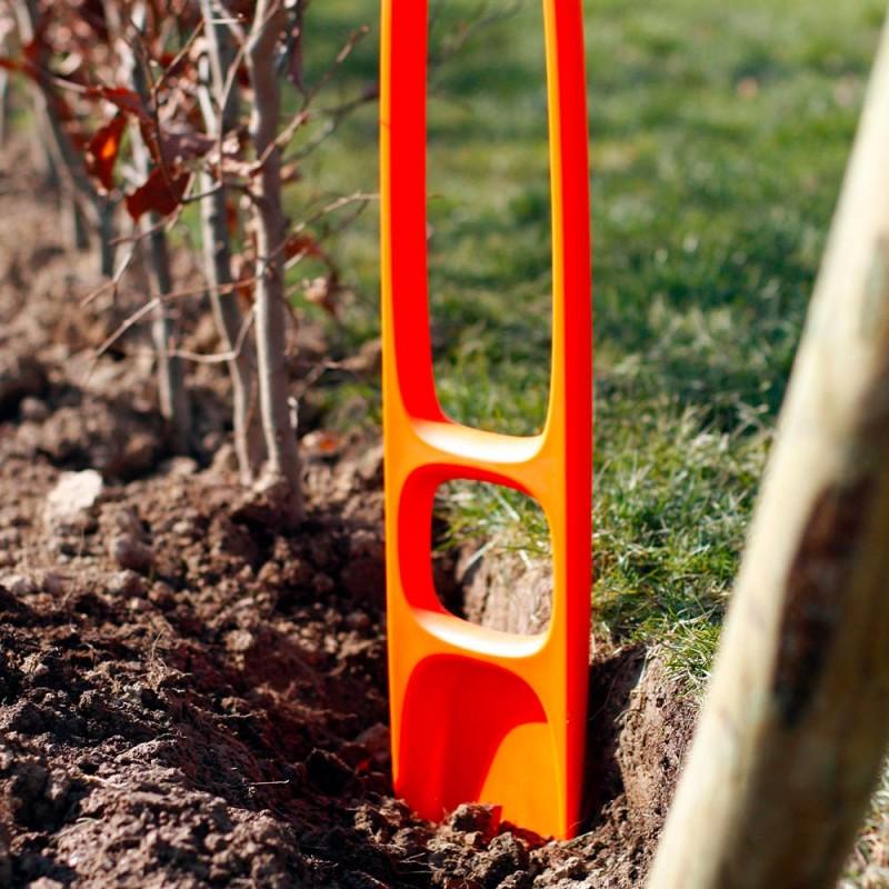 Pelle jardin/potager orange pour les enfants de la marque Quut