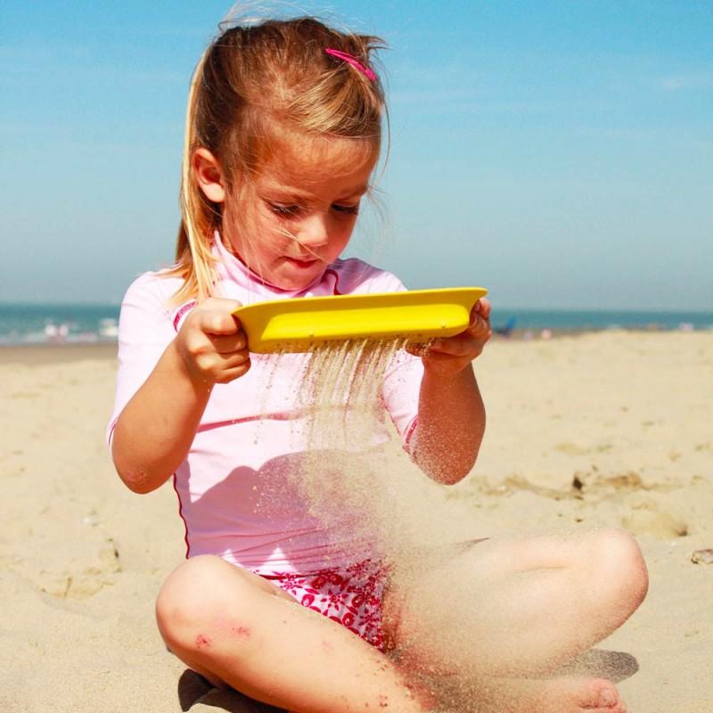 Pelle plage Scoppi avec tamis Vert Lagon et jaune de Quut - Pelle Multi-usages