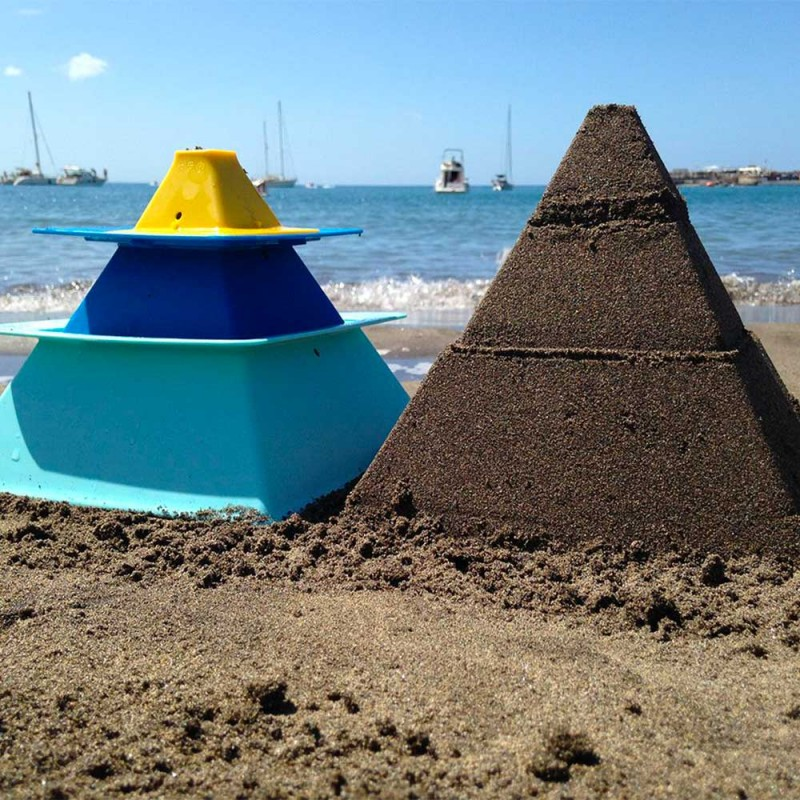 Pyramide de sable réalisée avec Pira de Quut